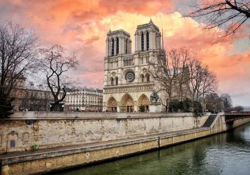 Париж и Замки Луары